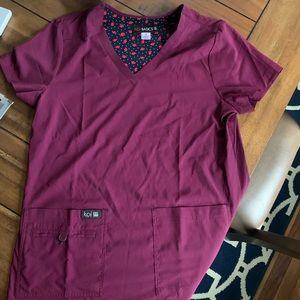 Koi basics scrubs set, wine, small, like new